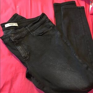 ABERCROMBIE AND FITCH BLACK JEGGINGS HI RISE